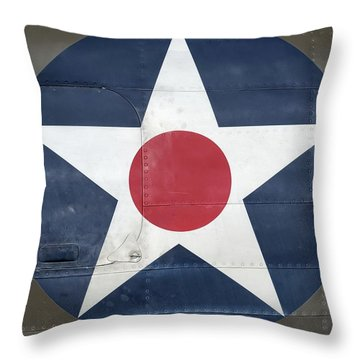 These Colors Don't Run - 2016 Christopher Buff, Www.aviationbuff.com Throw Pillow