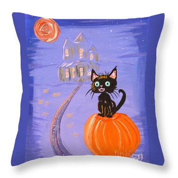 Things I Like Best At Halloween Throw Pillow