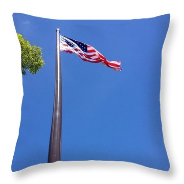 America's Tallest Symbol Of Freedom Throw Pillow