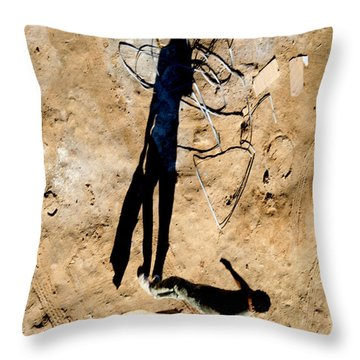 Throw Pillow featuring the photograph This How My Mind Works by Jez C Self