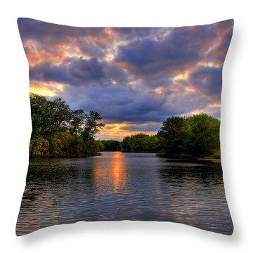Thomas Lake Park In Eagan On A Glorious Summer Evening Throw Pillow
