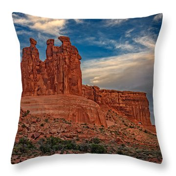 Three Gossips In Arches Throw Pillow