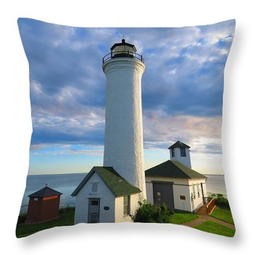 Tibbetts Point Lighthouse In June Throw Pillow