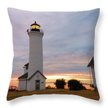 Tibbetts Point Lighthouse, July Sunset Throw Pillow