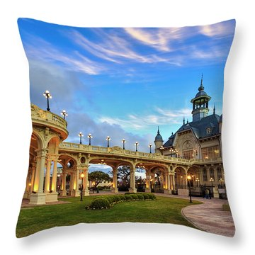 Tigre 002 Throw Pillow