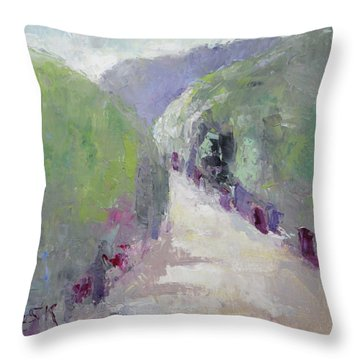 To Mountain Throw Pillow