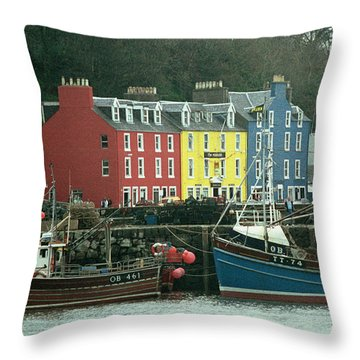 Tobermory I Throw Pillow