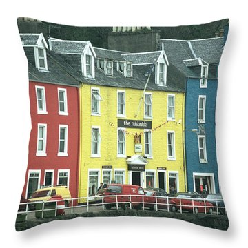 Tobermory II Throw Pillow