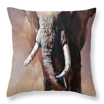 Tofauti, Chyulu Hills Throw Pillow