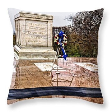 Tomb Of The Unknown Soldiers Throw Pillow by Christopher Holmes