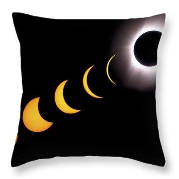 Total Eclipse Sequence, Aruba, 2/28/1998 Throw Pillow