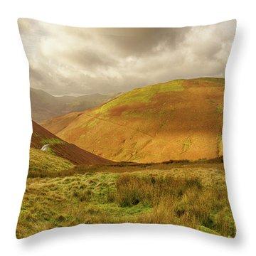 Towards Buttermere Throw Pillow