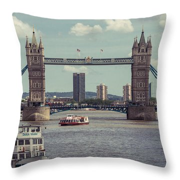 Tower Bridge B Throw Pillow