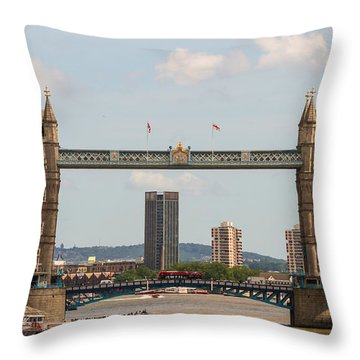 Tower Bridge C Throw Pillow