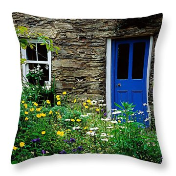 Traditional Cottage, Co Cork Throw Pillow