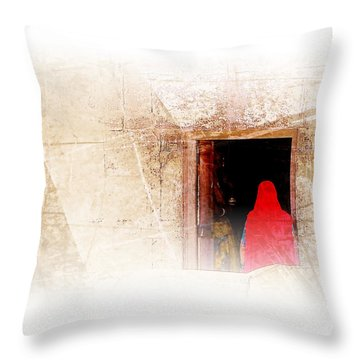 Travel Exotic Women Portrait Mehrangarh Fort India Rajasthan 1a Throw Pillow