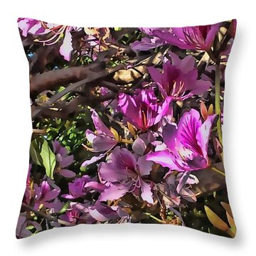 Tree Beauty 4 Throw Pillow