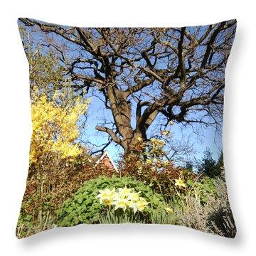 Tree Photo 991 Throw Pillow