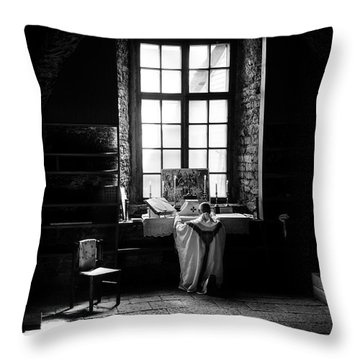 Tridentine Mass In An Ancient Chapel In The Old Dominican Monastery In Tallinn Throw Pillow