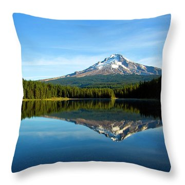 Trillium Lake Mt Hood Fall Throw Pillow