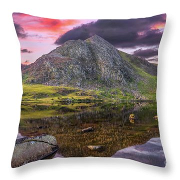 Throw Pillow featuring the photograph Tryfan Mountain Sunset by Adrian Evans