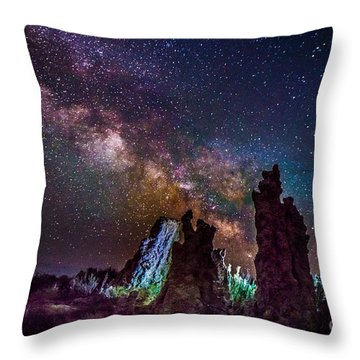 Tufa Towers At Mono Lake With Milkyway Galaxy Throw Pillow
