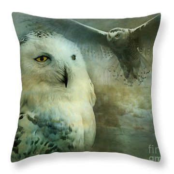 Tundra Traveler 2015 Throw Pillow