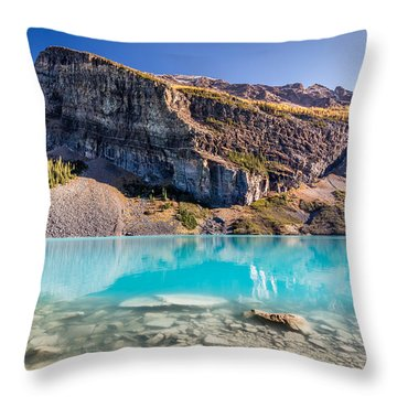 Turquoise Water Of The Scenic Lake Louise Throw Pillow