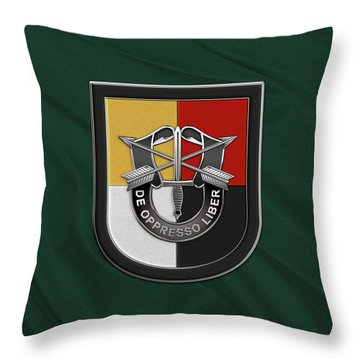 U. S.  Army 3rd Special Forces Group - 3  S F G  Beret Flash Over Green Beret Felt Throw Pillow