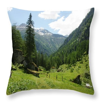 Umbaltal Throw Pillow