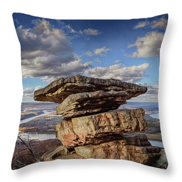 Umbrella Rock Overlooking Moccasin Bend Throw Pillow