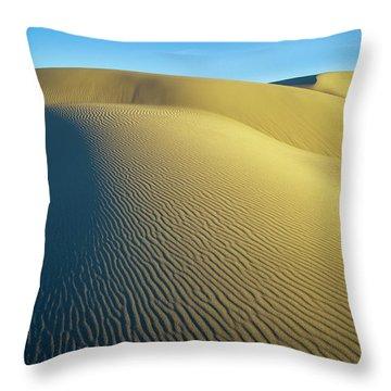 Umpqua High Dunes Throw Pillow