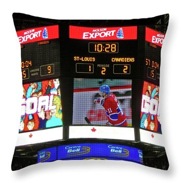 Un But De Saku Koivu ... Throw Pillow