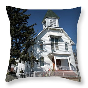 Union Evangelical Church Of Corona Throw Pillow