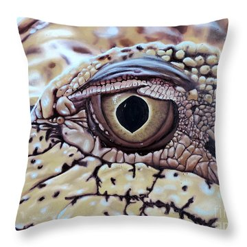 Up Closn 'n'personal Throw Pillow