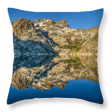 Upper Sardine Lake Panorama Throw Pillow
