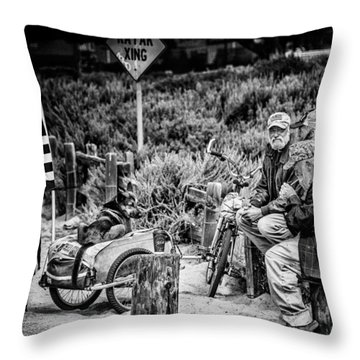 U.s. Veterans Today Throw Pillow