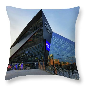 Usbank Stadium The Approach Throw Pillow