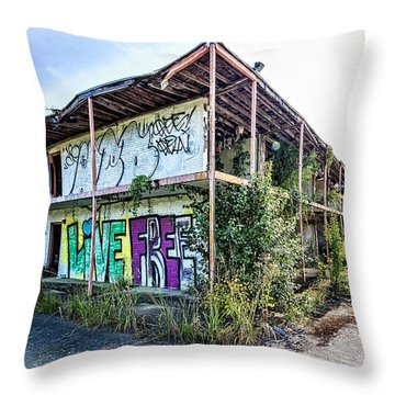 Throw Pillow featuring the photograph Vacancy by Alan Raasch