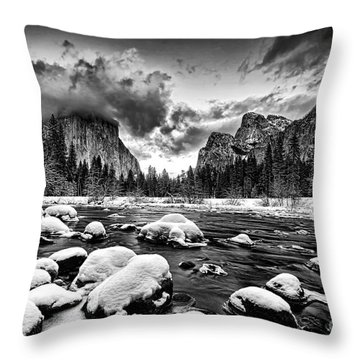 Valley View - Yosemite Valley Throw Pillow