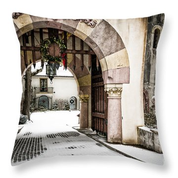Vanderbilt Holiday Throw Pillow