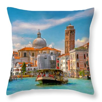 Venezia. Fermata San Marcuola Throw Pillow