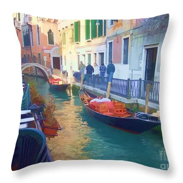 Throw Pillow featuring the photograph Venice Sidewalk Cafe by Roberta Byram