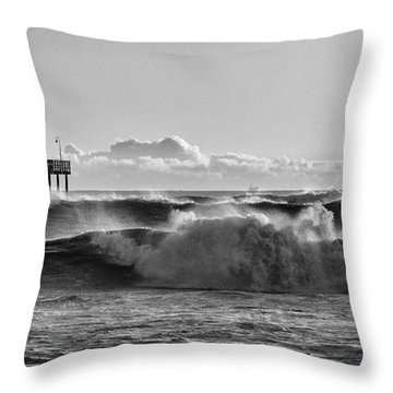 Ventura Pier El Nino 2016 Throw Pillow