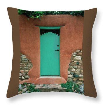 Verde Way Throw Pillow