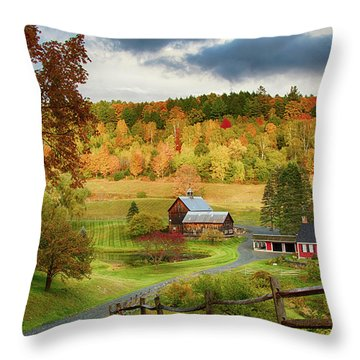 Vermont Sleepy Hollow In Fall Foliage Throw Pillow