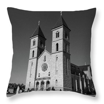 Throw Pillow featuring the photograph Victoria, Kansas - Cathedral Of The Plains 6 Bw by Frank Romeo