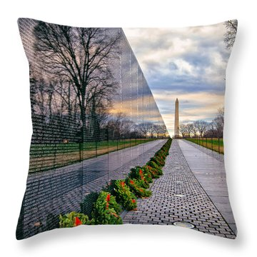 Vietnam War Memorial, Washington, Dc, Usa Throw Pillow