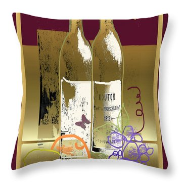 Vin, Fruit, Et Papillons Throw Pillow