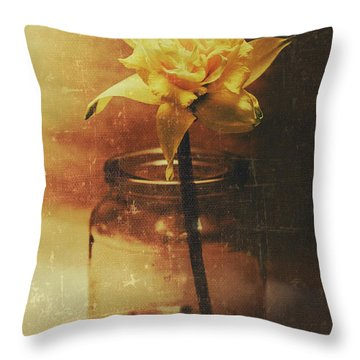 Vintage Daffodil Flower Art Throw Pillow
